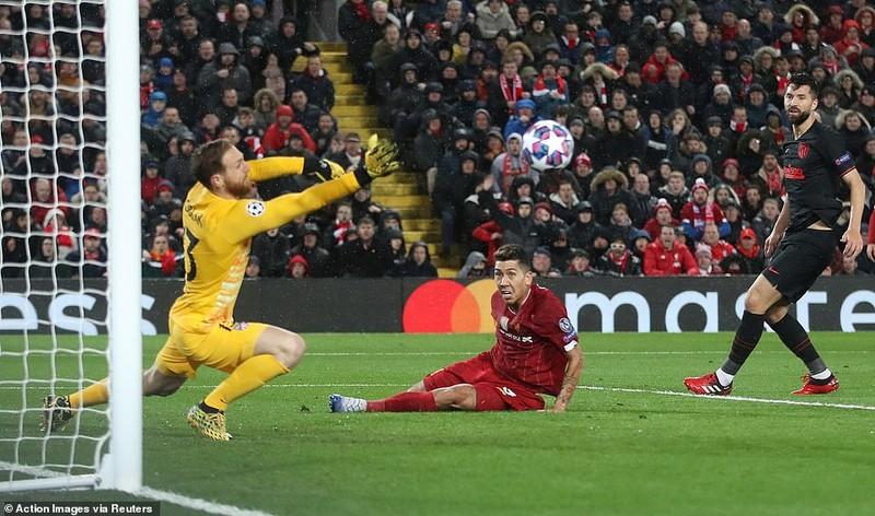 Thua ngược tại Anfield, Liverpool trở thành cựu vương - ảnh 1