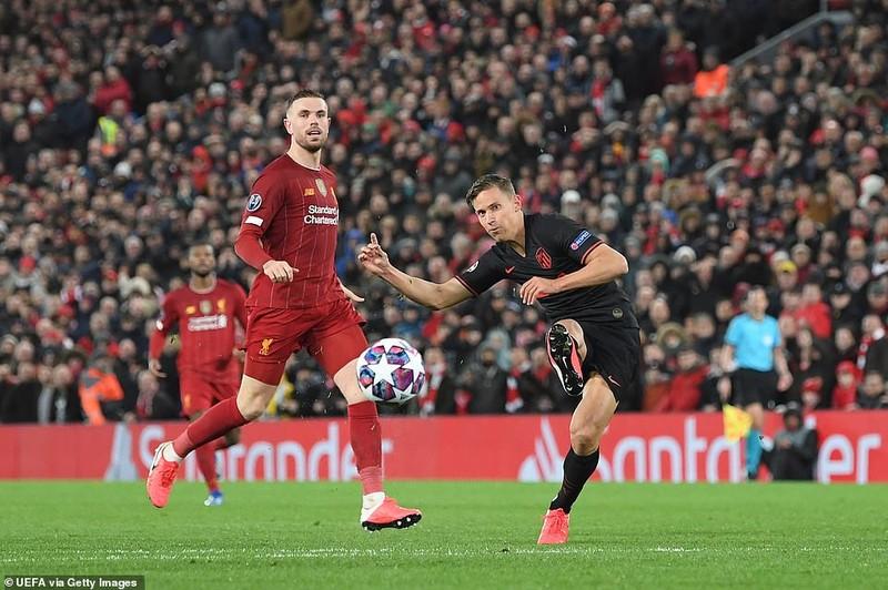 Thua ngược tại Anfield, Liverpool trở thành cựu vương - ảnh 6