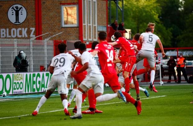 Thắng dễ Union Berlin, 'hùm xám' Bayern giữ vững ngôi đầu - ảnh 4