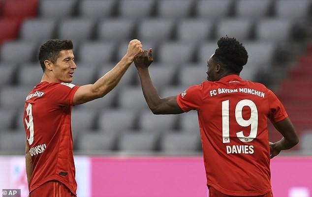 """Hậu vệ bùng nổ, Bayern Munich thắng """"5 sao"""" trên sân nhà - ảnh 4"""