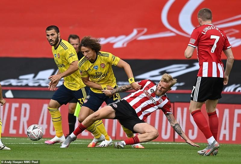 Arsenal nhọc nhằn vào bán kết FA Cup - ảnh 3