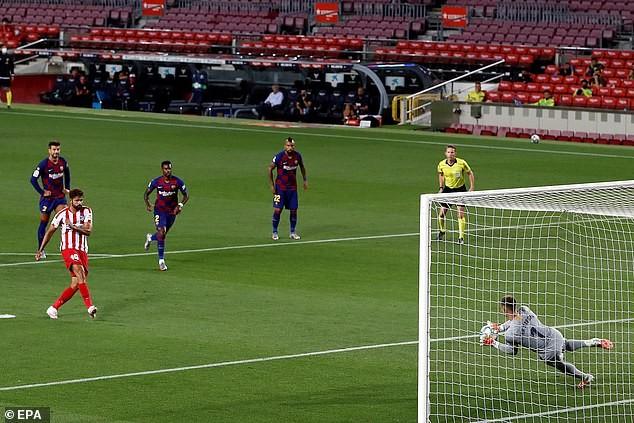 Chia điểm tại Nou Camp, Barcelona khó giữ ngôi vương - ảnh 3