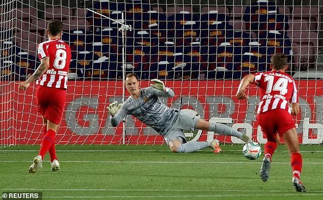 Chia điểm tại Nou Camp, Barcelona khó giữ ngôi vương - ảnh 4