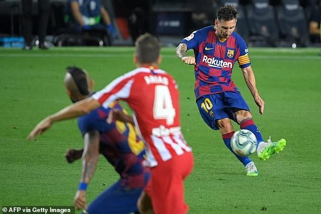 Chia điểm tại Nou Camp, Barcelona khó giữ ngôi vương - ảnh 1
