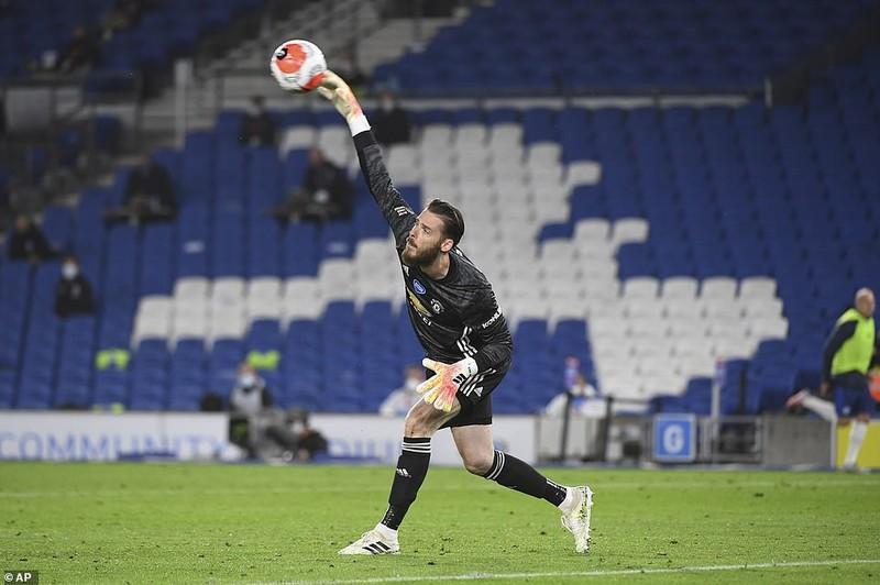 Fernandes lập cú đúp, MU duy trì thế bám đuổi với Chelsea - ảnh 5