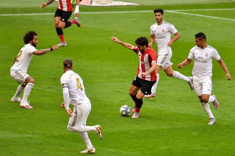 Ramos tiếp tục ghi bàn, Real Madrid tạm hơn Barca 7 điểm - ảnh 1