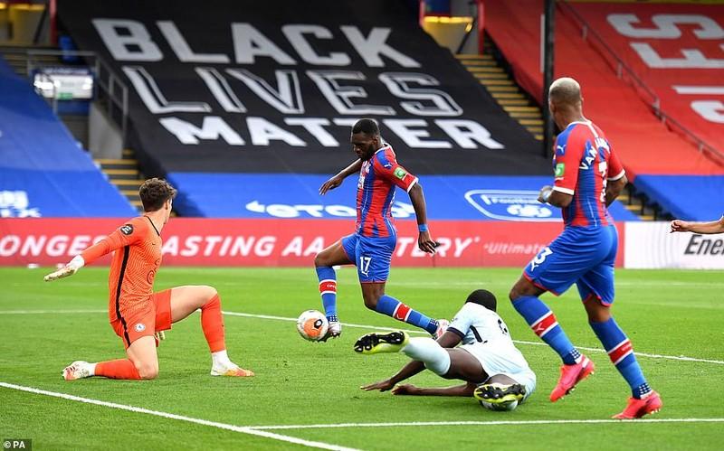Chelsea thắng kịch tính, Arsenal mất điểm cuối trận  - ảnh 5