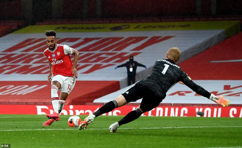 Chelsea thắng kịch tính, Arsenal mất điểm cuối trận  - ảnh 6
