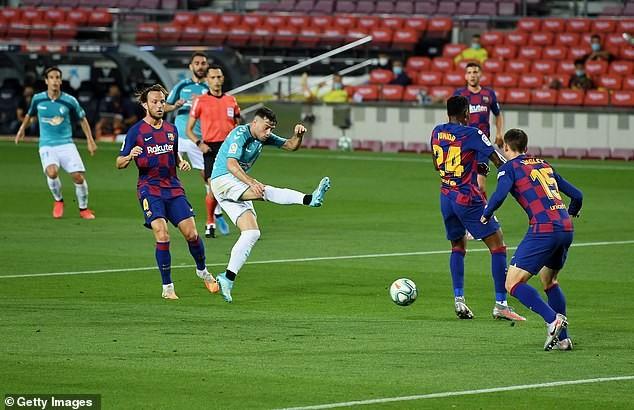 Thua sốc cuối trận, Barcelona chính thức thành cựu vương - ảnh 1