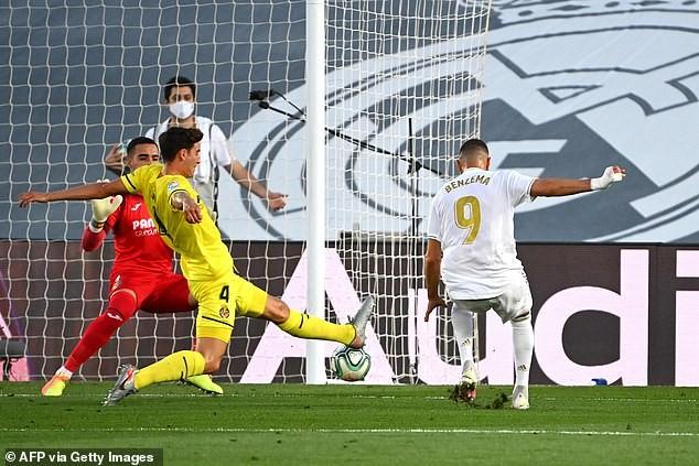 Benzema lập 'cú đúp', Real Madrid lên ngôi vô địch La Liga - ảnh 1