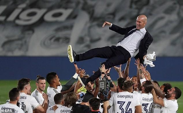 Benzema lập 'cú đúp', Real Madrid lên ngôi vô địch La Liga - ảnh 6