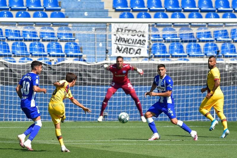 Messi lập cú đúp, Barca hạ màn La Liga bằng chiến thắng 5 sao - ảnh 1