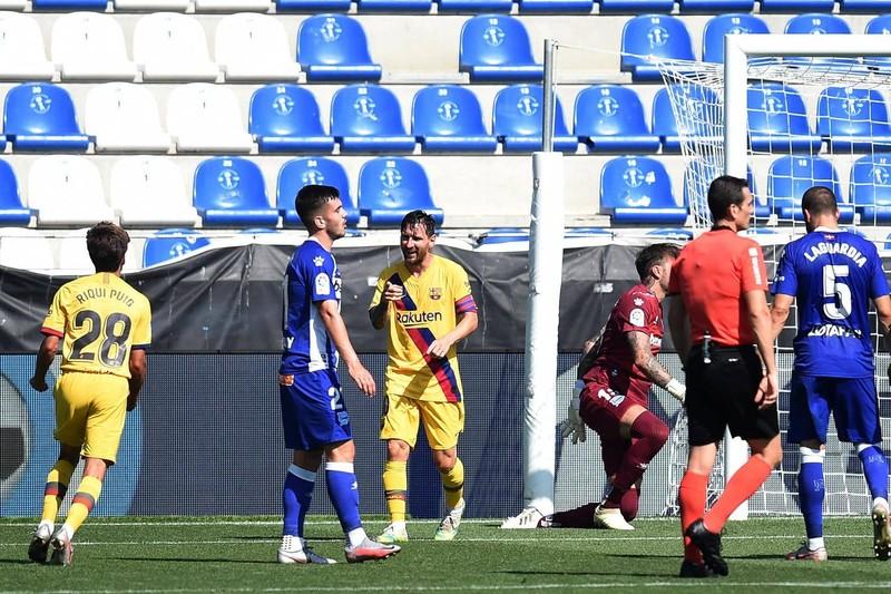 Messi lập cú đúp, Barca hạ màn La Liga bằng chiến thắng 5 sao - ảnh 6