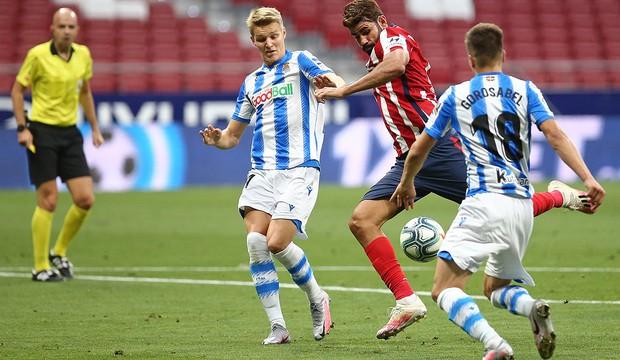 Real, Atletico cùng hòa, Sociedad may mắn dự Europa League - ảnh 4
