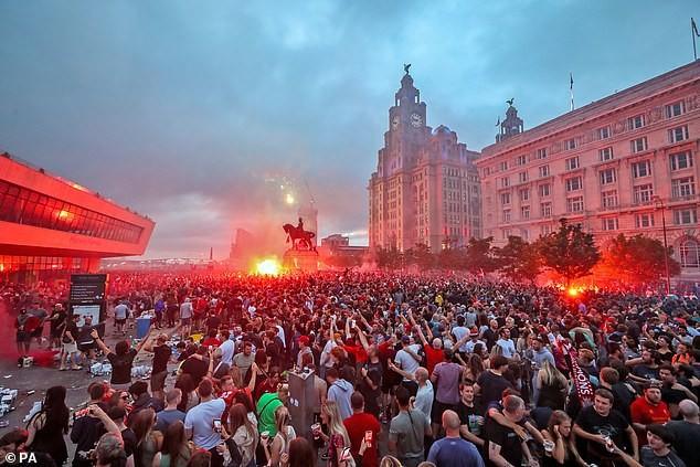 Cảnh sát thắt chặt an ninh trận đại chiến Liverpool - Chelsea - ảnh 2