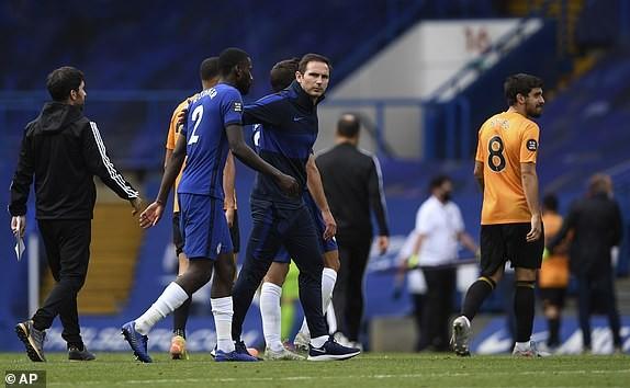 M.U, Chelsea cùng thắng, vào Top 4 Premier League - ảnh 10