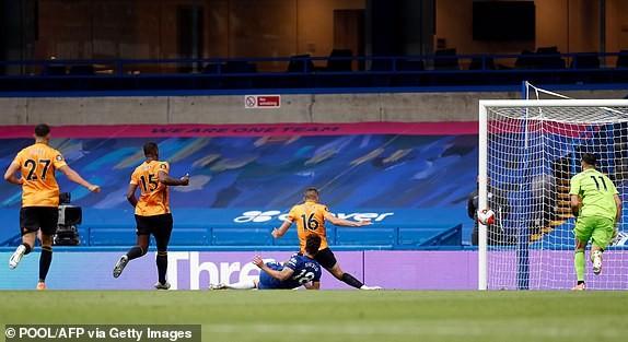 M.U, Chelsea cùng thắng, vào Top 4 Premier League - ảnh 5