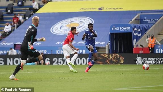 M.U, Chelsea cùng thắng, vào Top 4 Premier League - ảnh 9