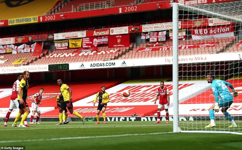 Tottenham dự Europa League, Aston Villa trụ hạng thành công - ảnh 4