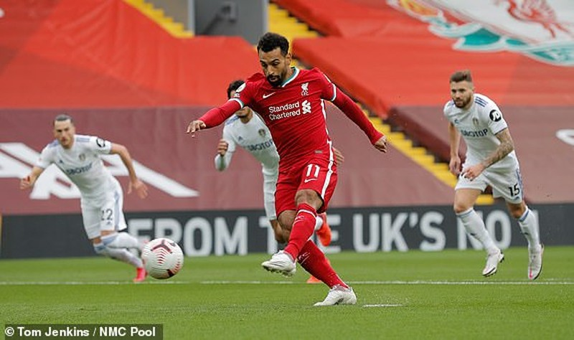 Salah lập Hattrick, Liverpool nhọc nhằn thắng đội mới lên hạng - ảnh 1