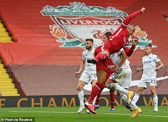 Salah lập Hattrick, Liverpool nhọc nhằn thắng đội mới lên hạng - ảnh 3