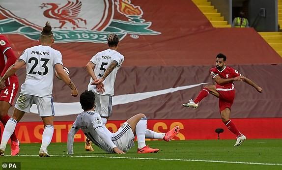 Salah lập Hattrick, Liverpool nhọc nhằn thắng đội mới lên hạng - ảnh 5