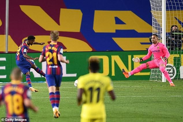 Sao trẻ lập cú đúp, Messi ghi bàn, Barca thắng lớn trận mở màn - ảnh 1