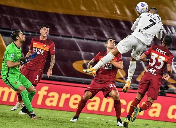 Ronaldo bùng nổ, Juventus nhọc nhằn rời thành Rome với 1 điểm - ảnh 4