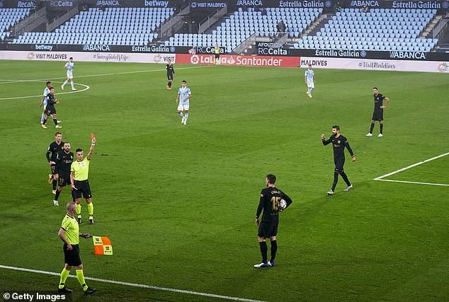 Đá thiếu người, Barcelona vẫn thắng tưng bừng trên sân khách - ảnh 2