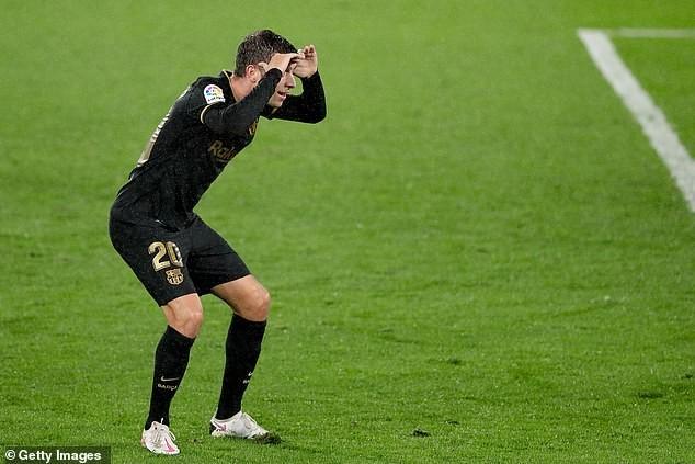 Đá thiếu người, Barcelona vẫn thắng tưng bừng trên sân khách - ảnh 4