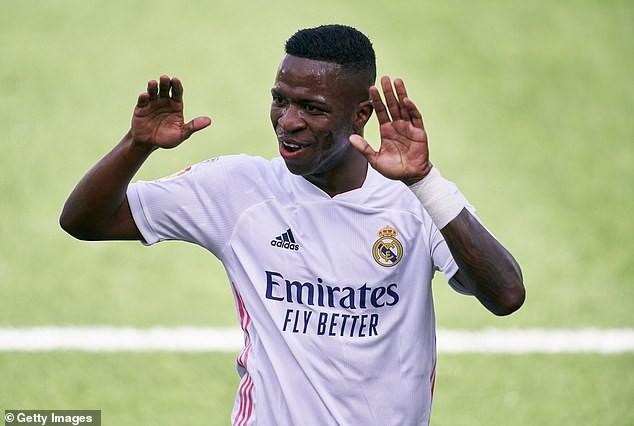 VAR, cột dọc từ chối bàn thắng, Real Madrid vẫn chiếm ngôi đầu - ảnh 1