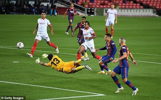 Ghi bàn sớm, Barcelona và Sevilla chia điểm tại Nou Camp - ảnh 2