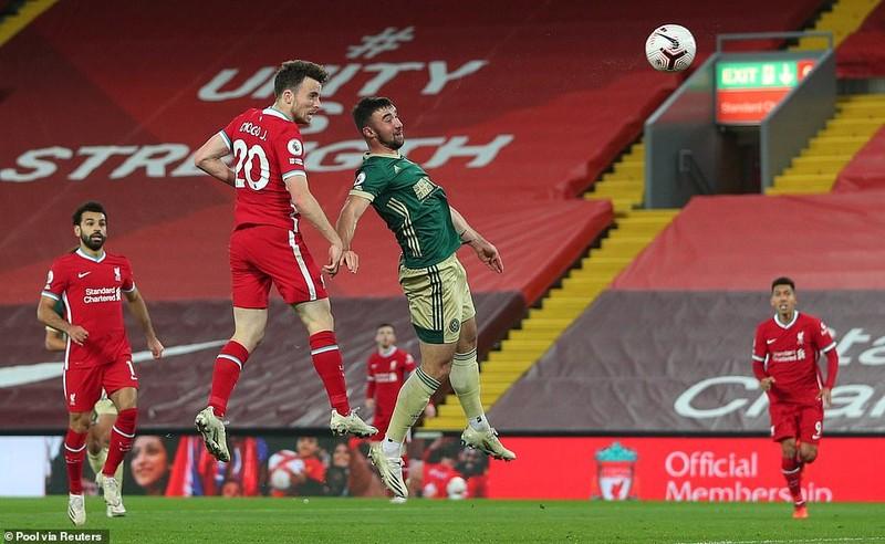 Hàng công tỏa sáng, Liverpool ngược dòng kịch tính tại Anfield - ảnh 6