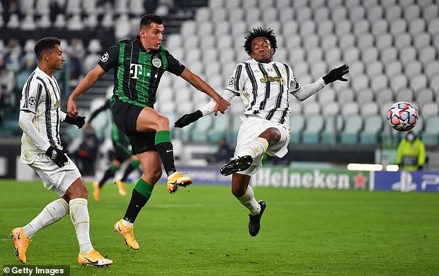 Barcelona thắng đậm, Ronaldo giúp Juventus vượt khó  - ảnh 4