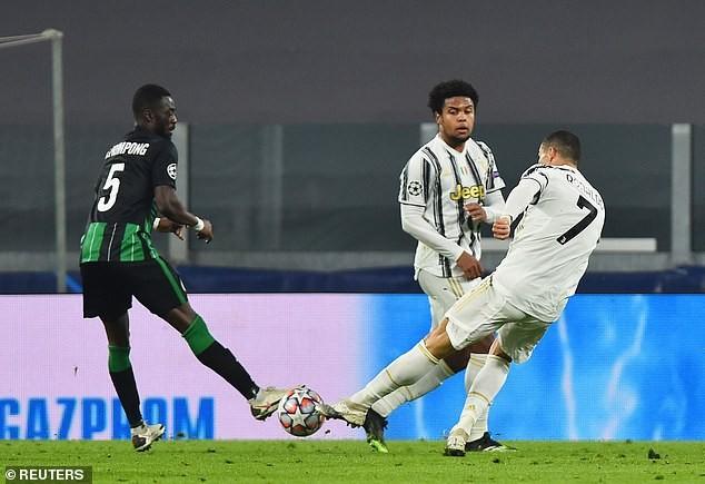 Barcelona thắng đậm, Ronaldo giúp Juventus vượt khó  - ảnh 5
