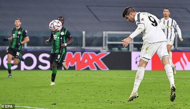 Barcelona thắng đậm, Ronaldo giúp Juventus vượt khó  - ảnh 6