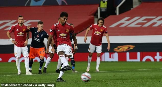 MU tạo 'mưa gôn' ở Old Trafford, Chelsea giành vé sớm - ảnh 5