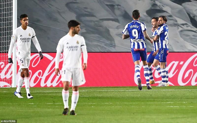 Hàng thủ cẩu thả, Real Madrid thua sốc trên sân nhà - ảnh 6