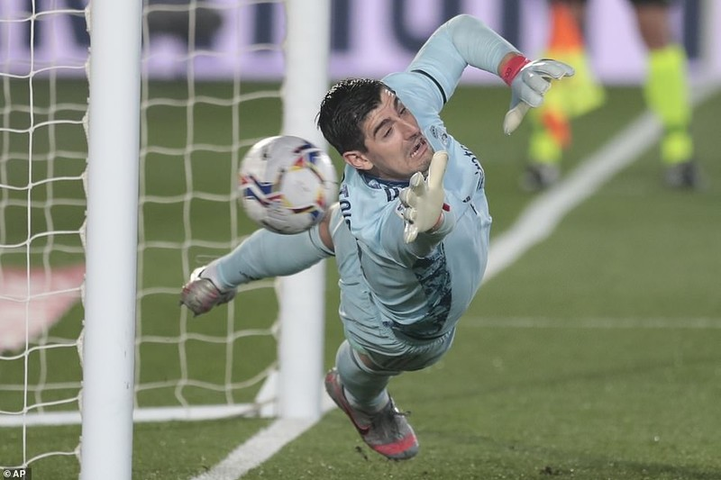Hàng thủ cẩu thả, Real Madrid thua sốc trên sân nhà - ảnh 1