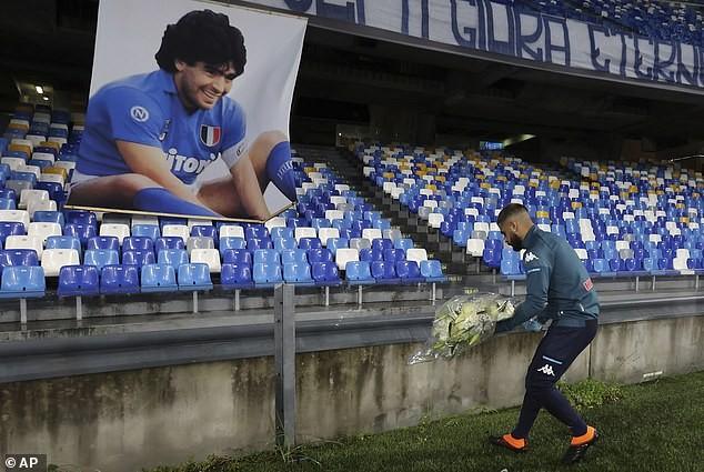 Napoli 'hủy diệt' AS Roma trong trận đấu tưởng nhớ Maradona  - ảnh 1