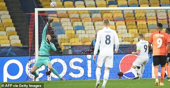 Real tiếp tục thua, Atletico Madrid đánh rơi chiến thắng - ảnh 1