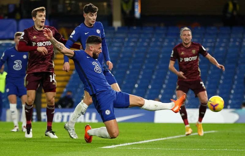Ngược dòng đánh bại tân binh, Chelsea chiếm ngôi đầu bảng - ảnh 2