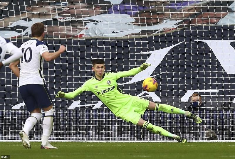 Arsenal thắng trận thứ ba liên tiếp, Tottenham vào Top 3 - ảnh 4