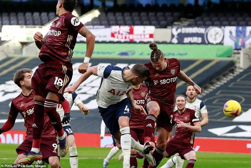 Arsenal thắng trận thứ ba liên tiếp, Tottenham vào Top 3 - ảnh 6