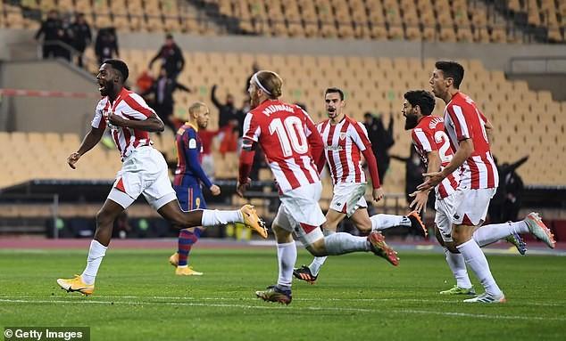 Messi nhận thẻ đỏ, Barca nhìn Bilbao lên ngôi vô địch - ảnh 2