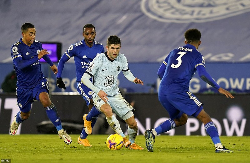 Leicester City bất ngờ chiếm ngôi đầu Premier League - ảnh 3