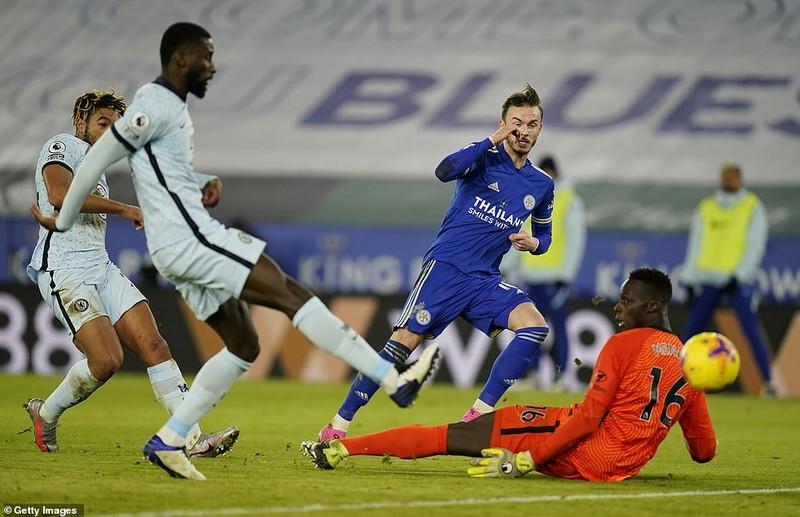 Leicester City bất ngờ chiếm ngôi đầu Premier League - ảnh 2