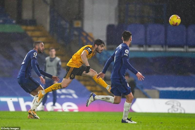 Chelsea chia điểm trước Wolves, MU thua sốc đội bét bảng - ảnh 3