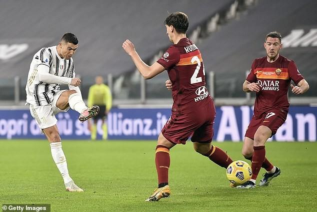 Hậu vệ đốt đền,  Roma 'phơi áo' trên sân Juventus - ảnh 1