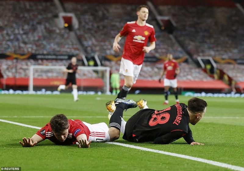 MU hòa tại Old Trafford, Aubameyang cứu Arsenal - ảnh 1